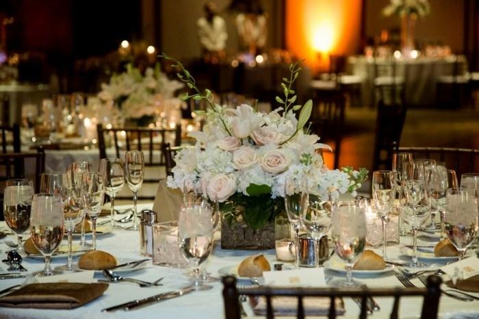 centros bodas flores blancas ideas