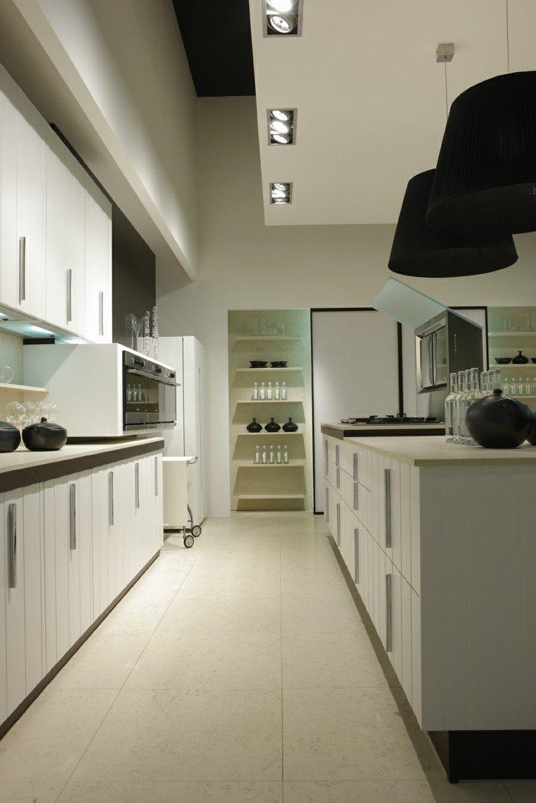 cocina blanca lamparas negras