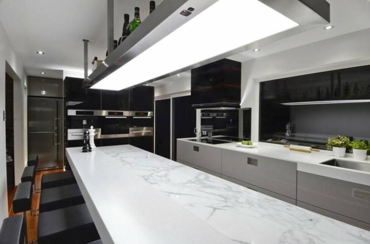 cocina moderna isla superficie marmol
