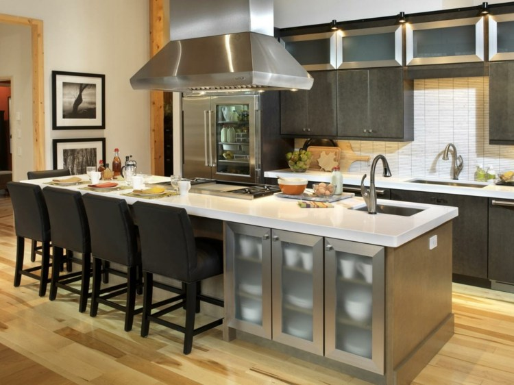 cocinas con islas practicas asientos diseños metal