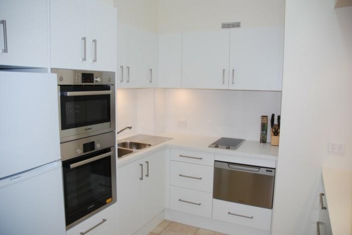 cocinas pequenas ideas muebles blancos moderna