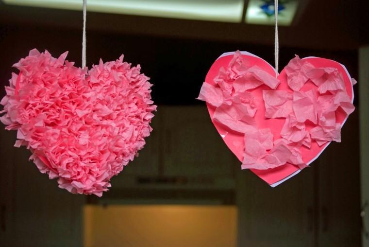 corazones colgantes color papel mache