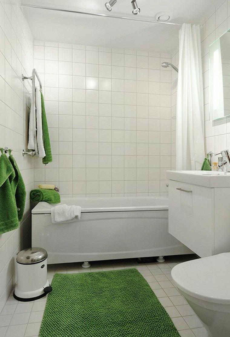 cuarto de baño alfombra verde