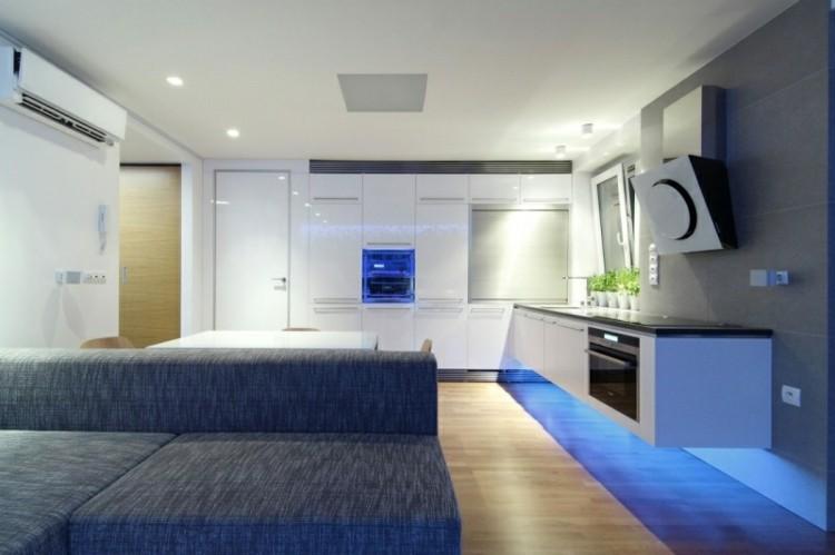 decoraciñon salon luces azules
