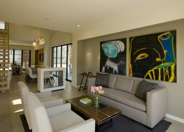 salón moderno cuadros colores