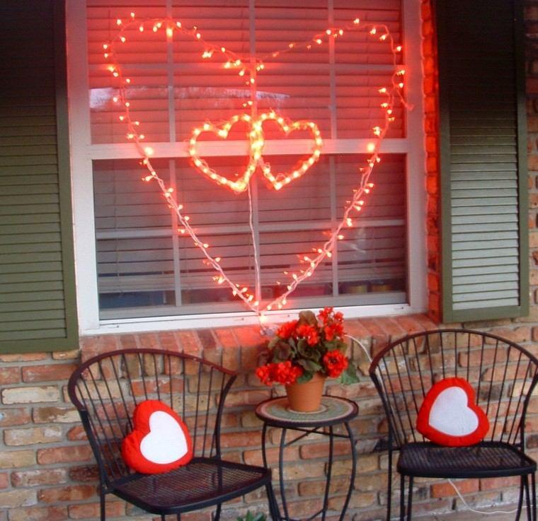 deco terraza luces rojas corazones