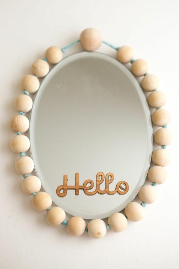 decorar espejo bolitas madera