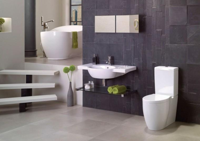 decoracion baño escaleras toques verde ideas