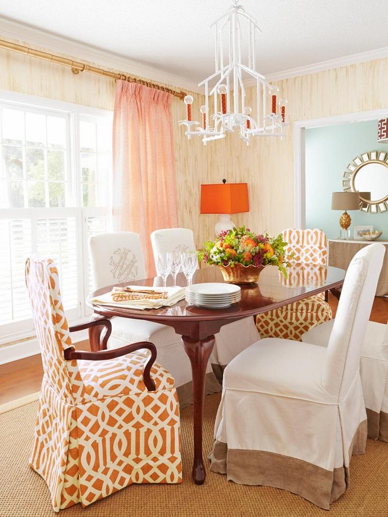 decoración vintage mesa madera sillas revestidas ideas