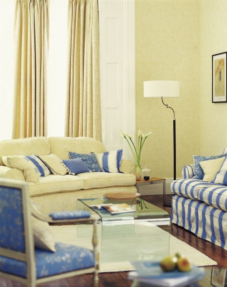 decorar salon pequeno sofa rayas blanca azul ideas