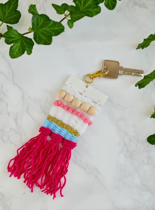 diseño llavero lana dity
