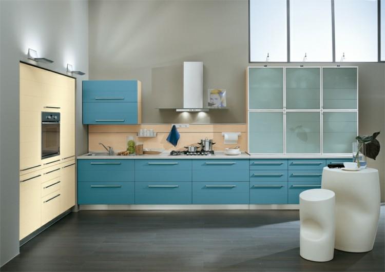 diseño cocinas plantas estantes azules