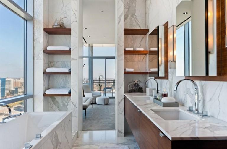 Estantes Metalicos Para Baño:baño de mármol con estantes de madera