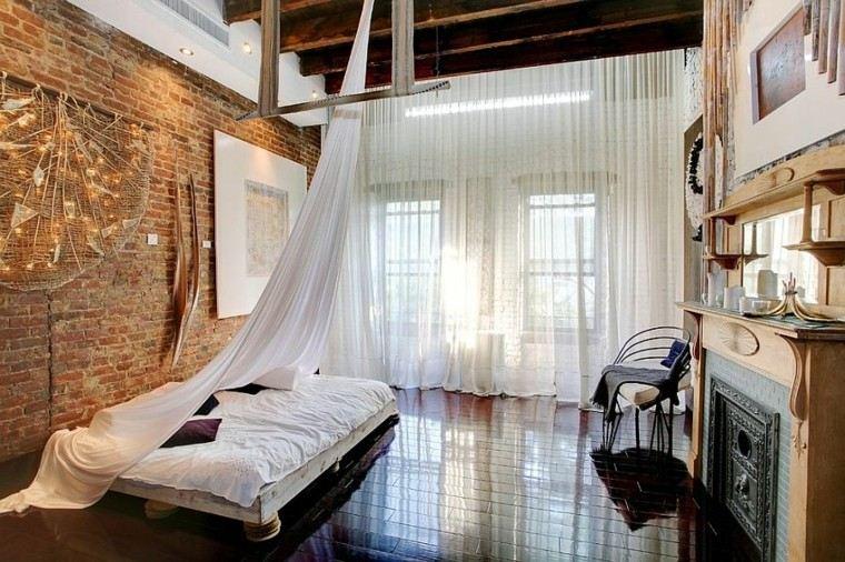 Dormitorios opciones originales de paredes de ladrillo for Cortinas blancas dormitorio