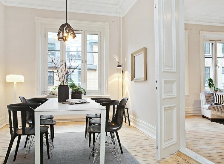 espacio en blanco alfombras cortinas sillas calido