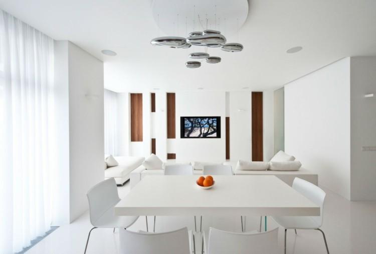 espacio en blanco alfombras cortinas maderas