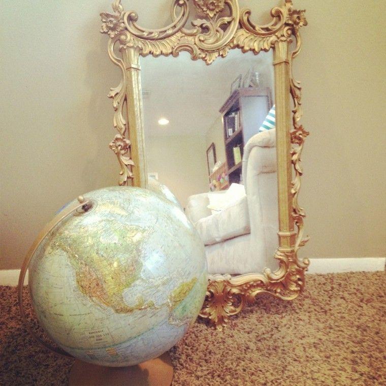 espejo estilo retro globo terraqueo