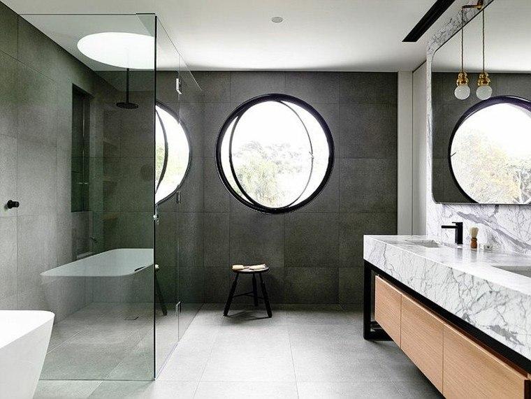 Cuartos De Baño En Microcemento:Diseño de cabina de ducha con paredes de microcemento