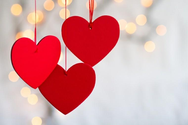 estupendos corazones rojos colgantes deco