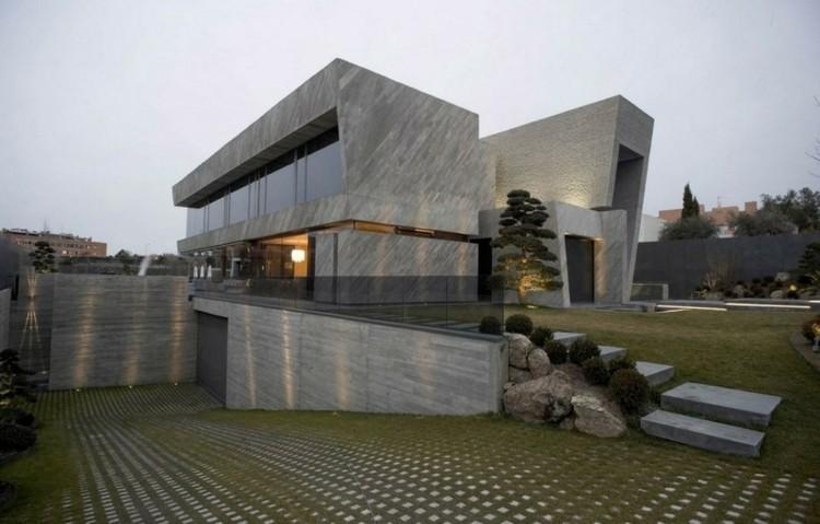 Fachadas modernas para todos los gustos y estilos for Arquitectura minimalista edificios