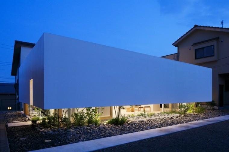 Fachadas modernas de estilo contempor neo for Casa moderna total white