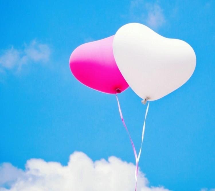 globos bonitos dos corazones cielo