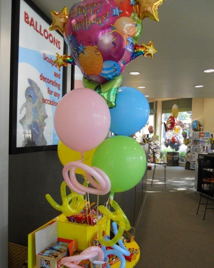globos de cumpleaños amarillo cajas rosa