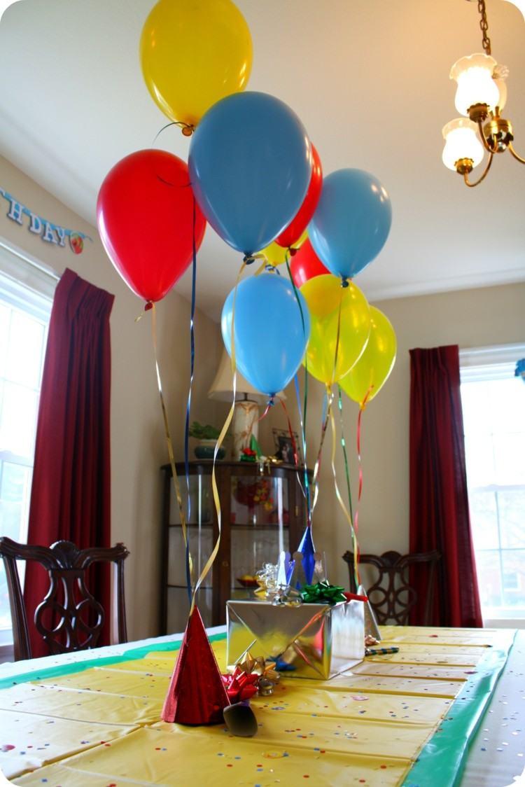 globos de cumpleaños amarillo rojo lamparas