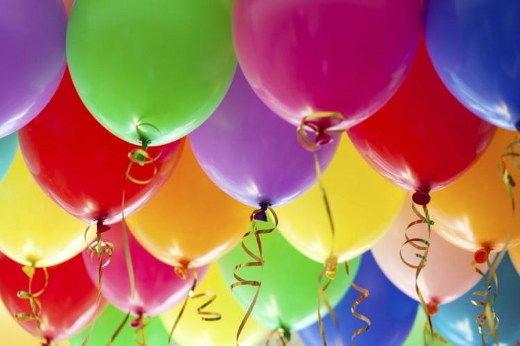 globos de cumpleaños cintas dorados dorados