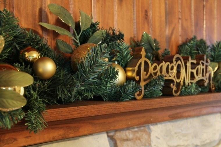 guirnalda navidad con bolas doradas