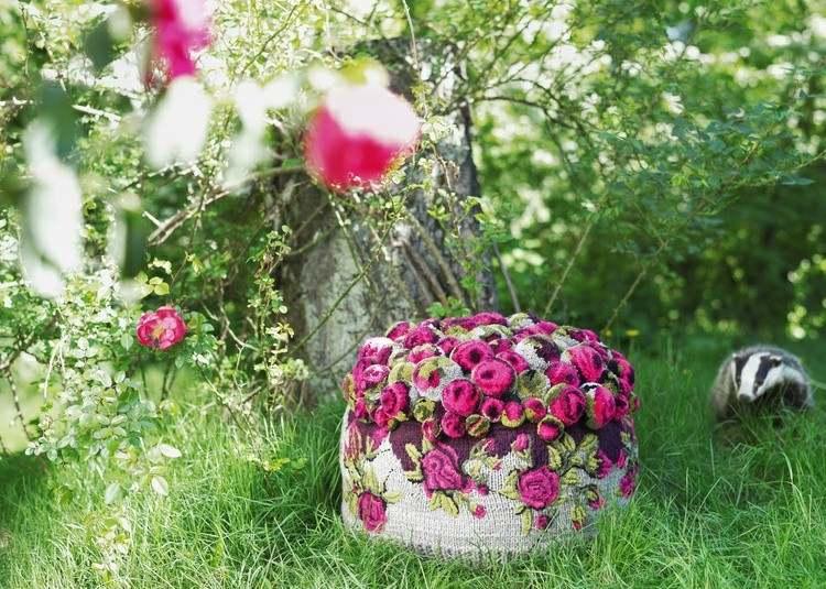 hierbas alfombra sillas exteriores arboles