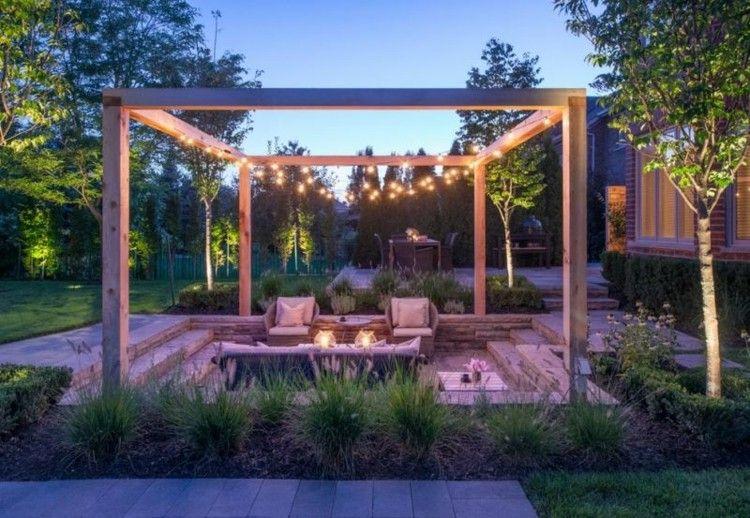 iluminacion jardines con prgola moderna