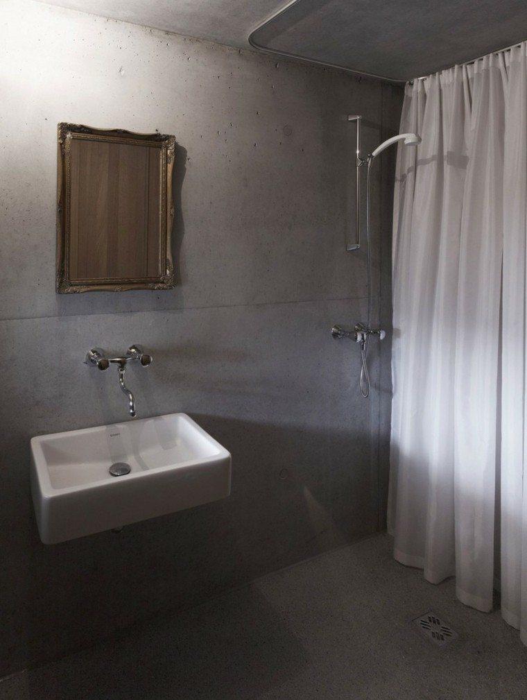Cuartos De Baño En Microcemento:cuarto de baño con revestimiento de paredes de microcemento
