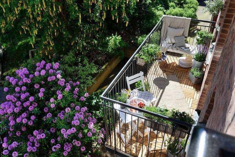 losas madera balcon pequeno vistas preciosas ideas