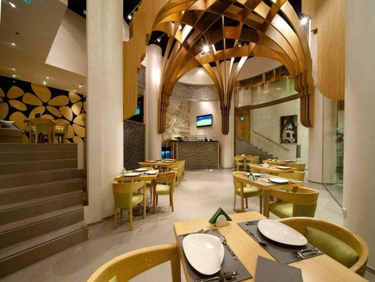 madera suelo amarillo sillas diseño escalones
