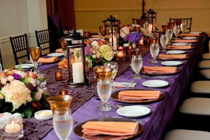 mantel purpura boda mesa centro flores ideas