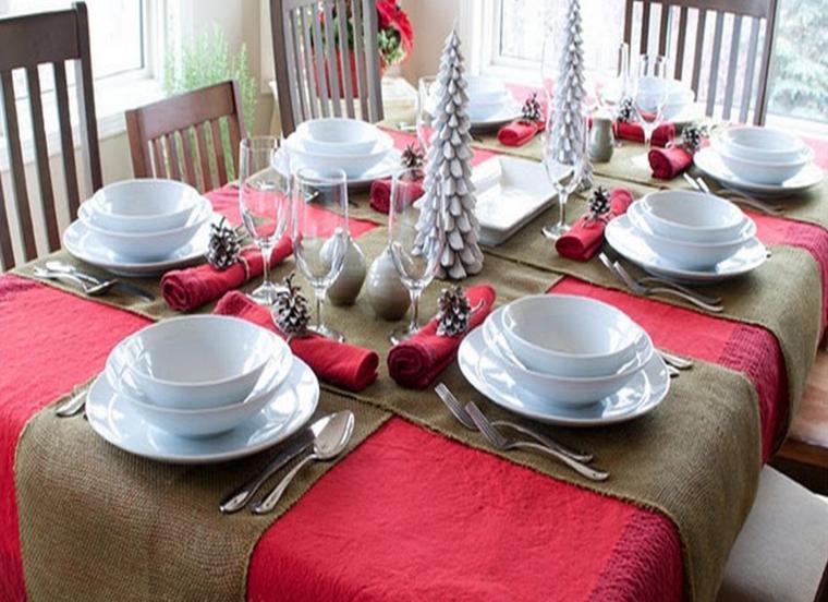 Arpillera para decorar la mesa 50 manteles r sticos for Manteles individuales para mesa