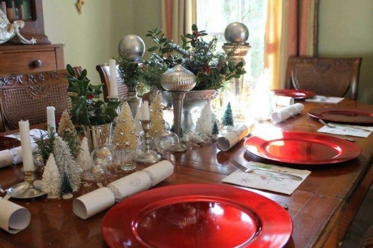 mesa decorada color plata
