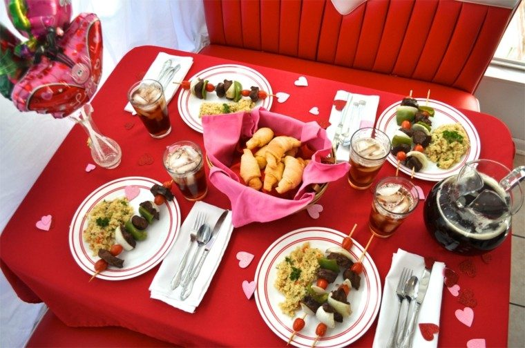 mesa roja deco san valentin