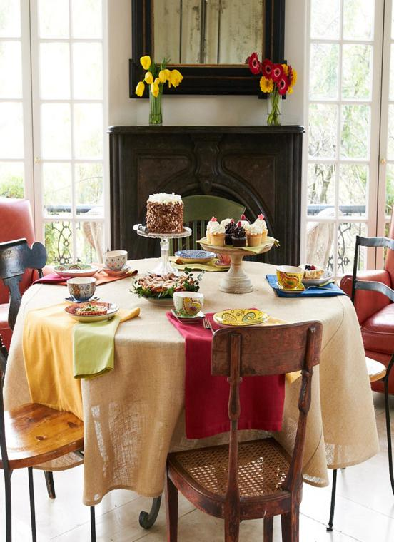 Arpillera para decorar la mesa 50 manteles r sticos - Mesas redondas de comedor antiguas ...