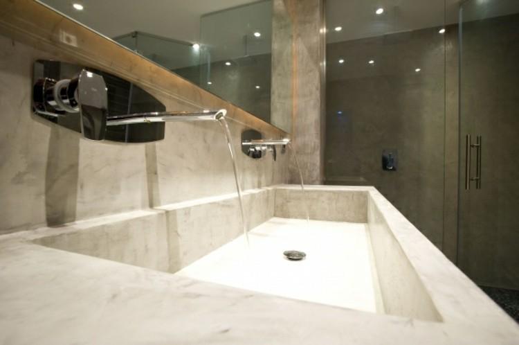 microcemento baños decorado cromados madera