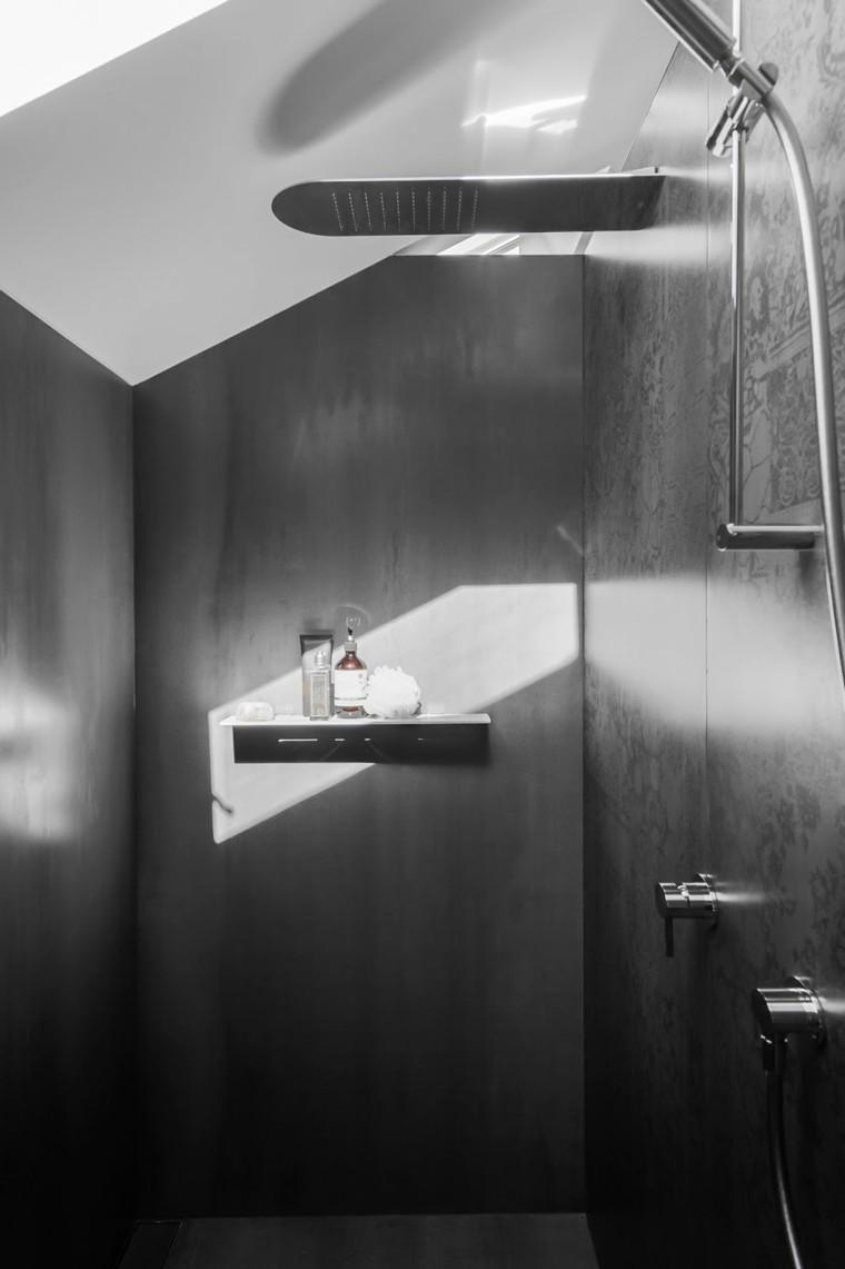 minosa bano estrecho paredes ducha negras ideas