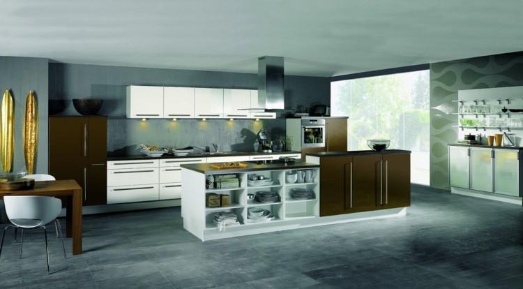 modelos de cocinas acentos dorados