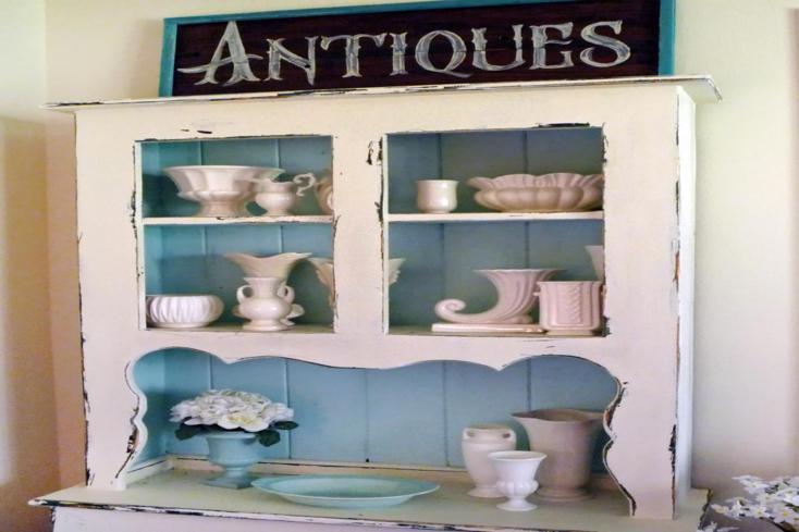 mueble viejo bonitos adornos