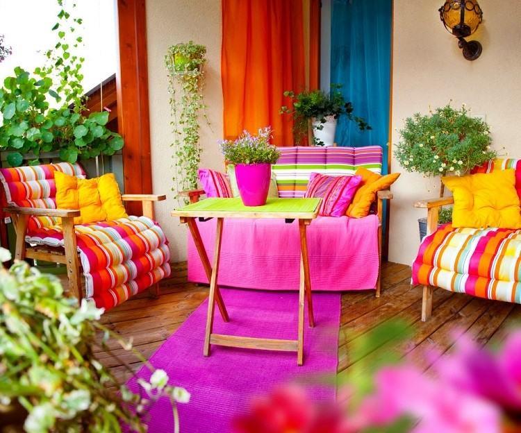 muebles colores vibrantes suelo madera ideas