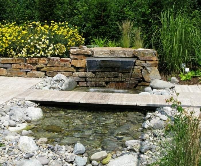 muralla piedras caida agua camino jardin ideas