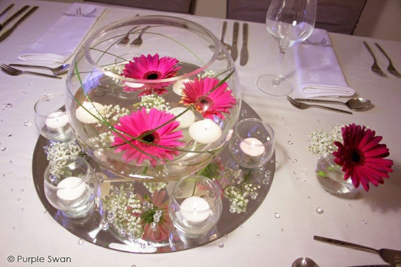 Velas flotantes una decoraci n sencilla pero elegante - Cristales de colores para mesas ...