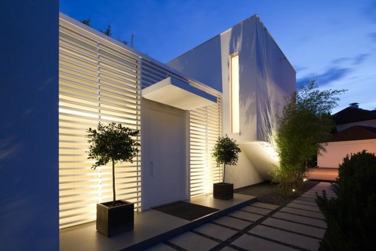 original diseño fachada blanca moderna