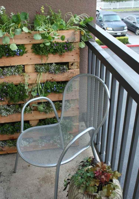 palets mobiliario creativo jardin metales