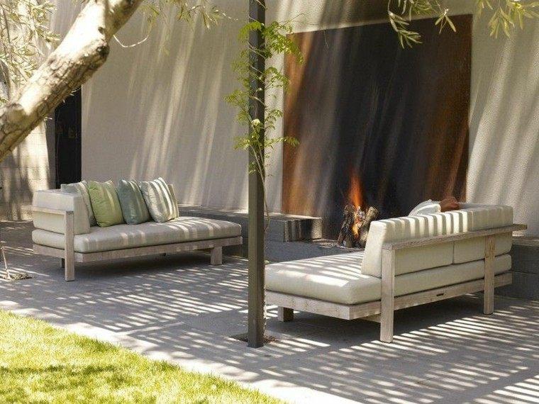 patio casa sillas troncos metales tradicional